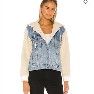 COPY - Levi's - Jean Jacket w/ Sherpa Sleeves